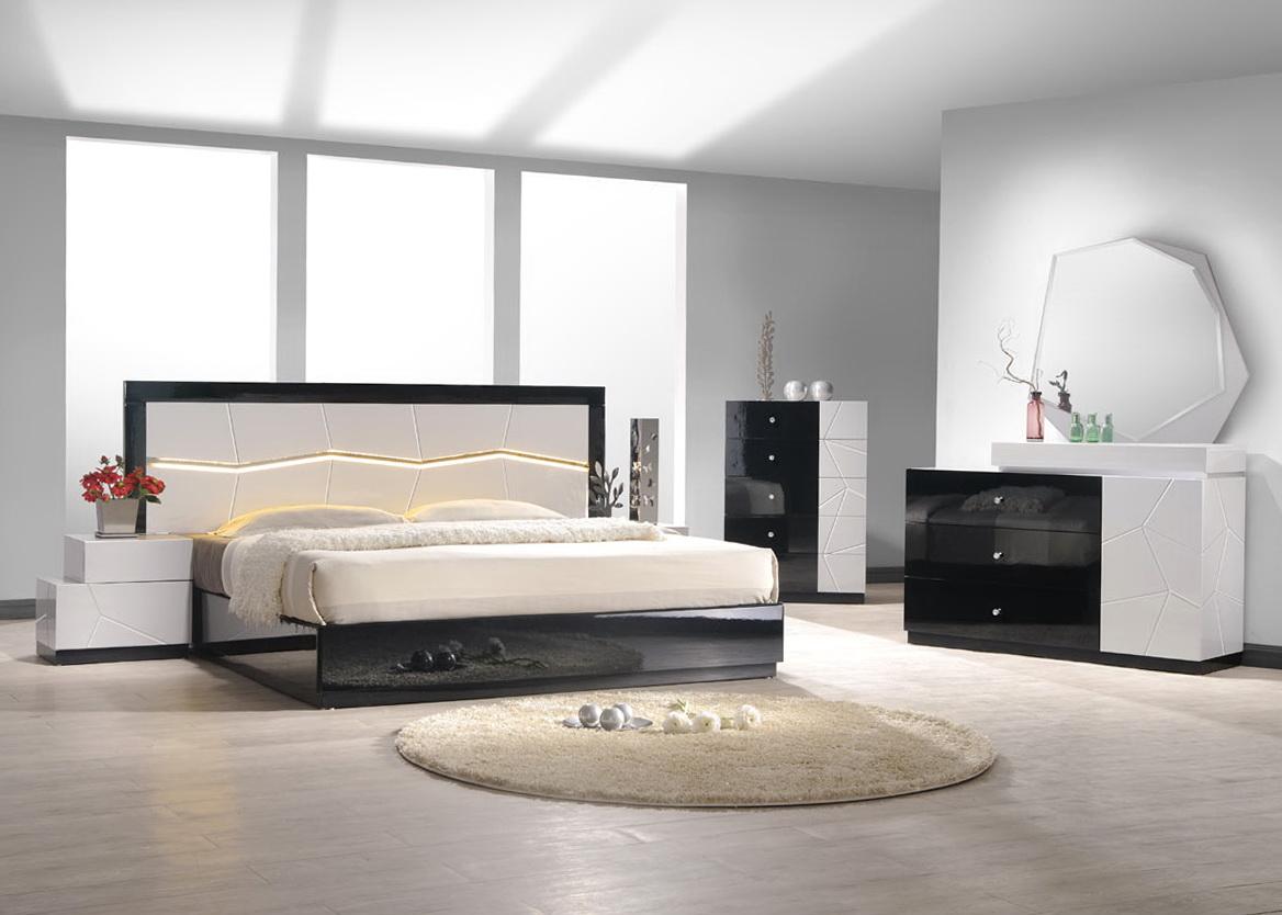 Black Mirrored Bedroom Furniture