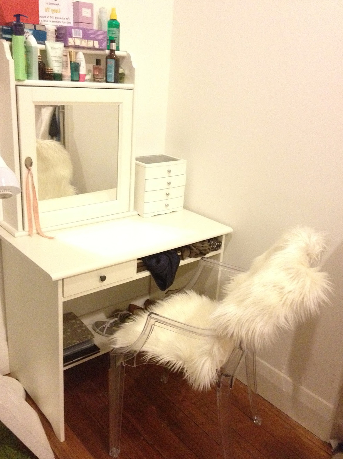 Diy Mirrored Vanity Table