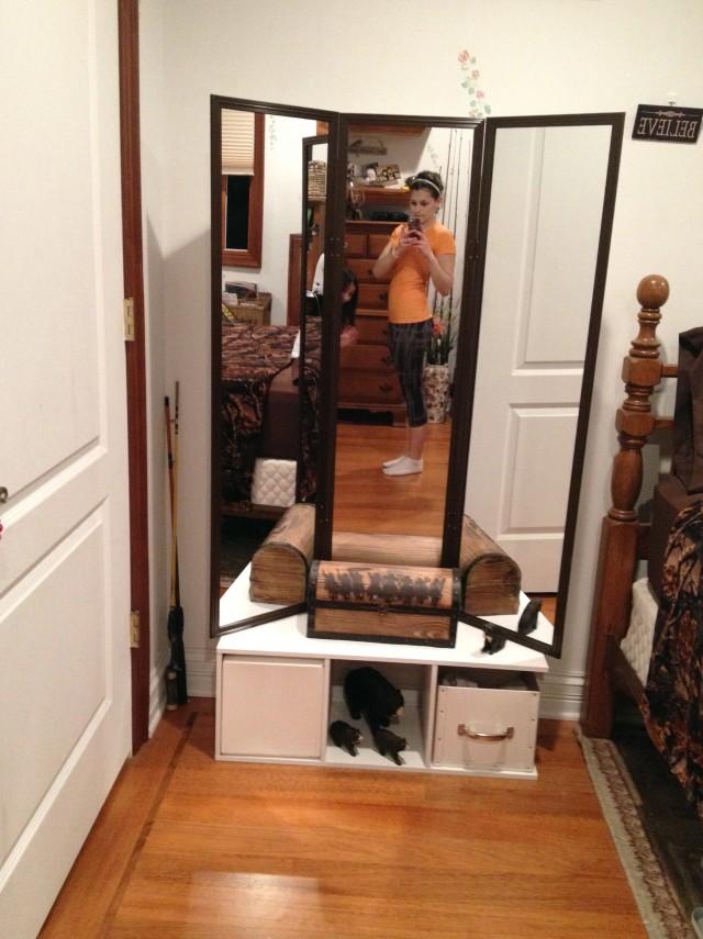Venetian Tri Fold Mirror Home Design Ideas