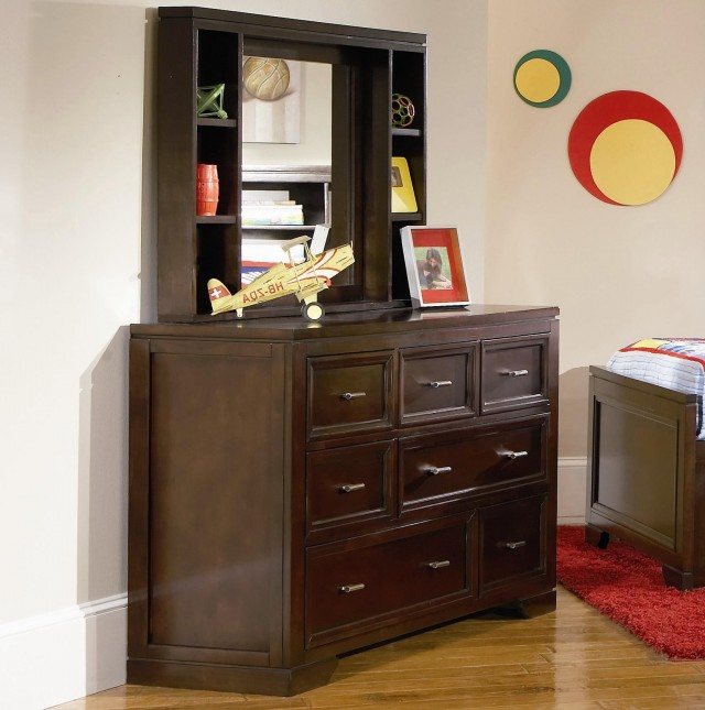 Dresser With Mirror And Shelves
