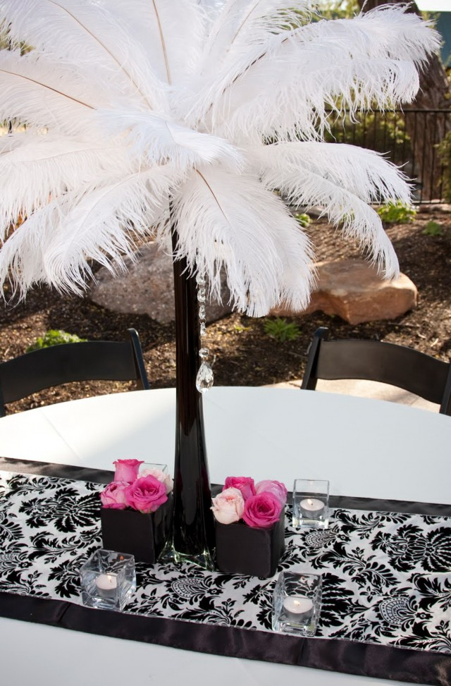 Eiffel Tower Vases With Feathers