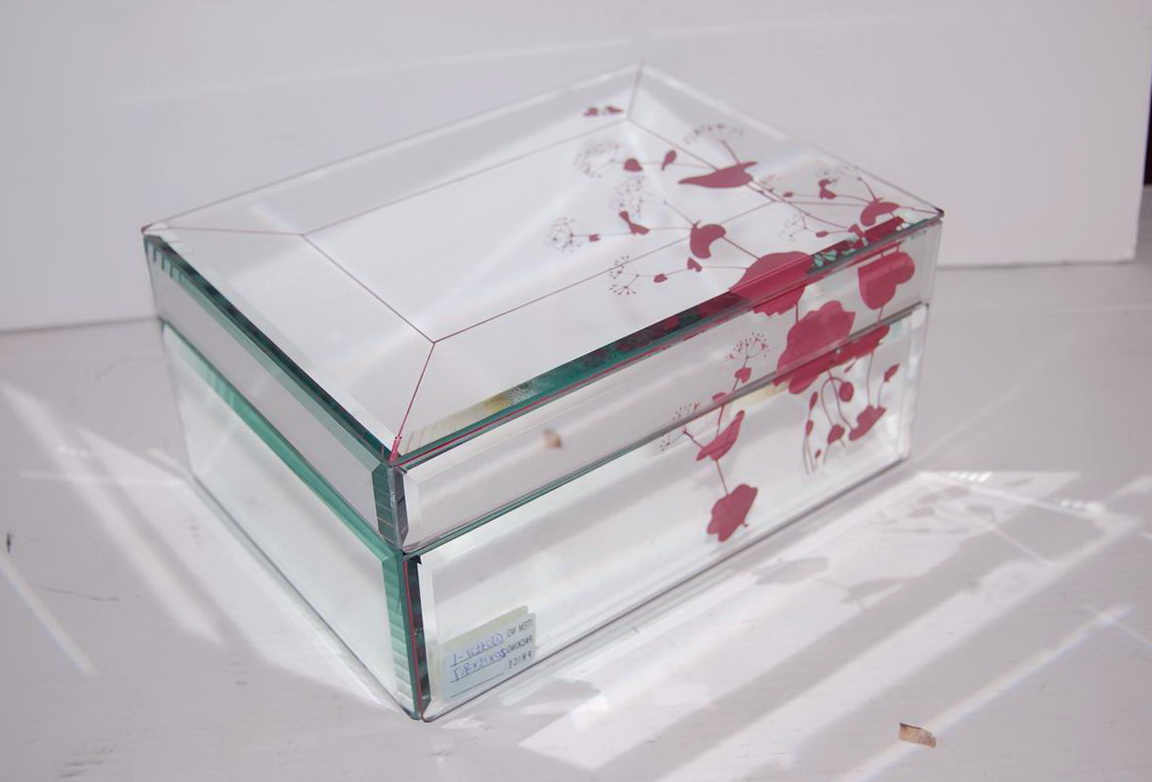 Glass mirrored jewelry box home design ideas for Mirror jewelry box