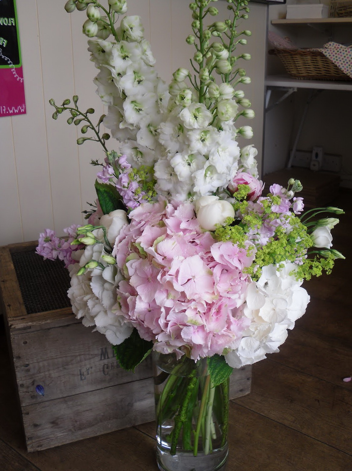 Large Glass Vase Flower Arrangements Home Design Ideas