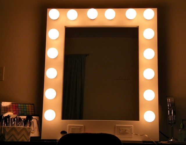 Lighted Vanity Mirror Wall