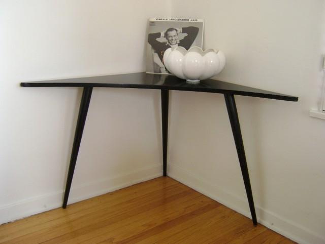Modern Corner Accent Table