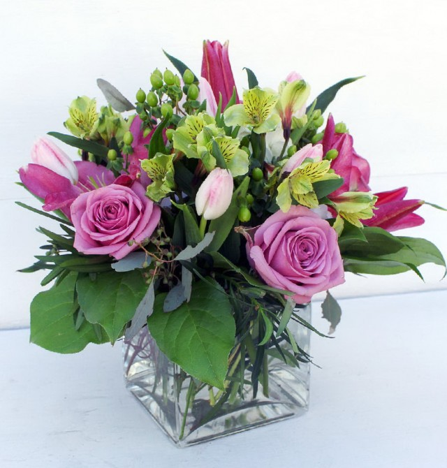 How To Arrange Flowers In A Short Square Vase Flowers Healthy