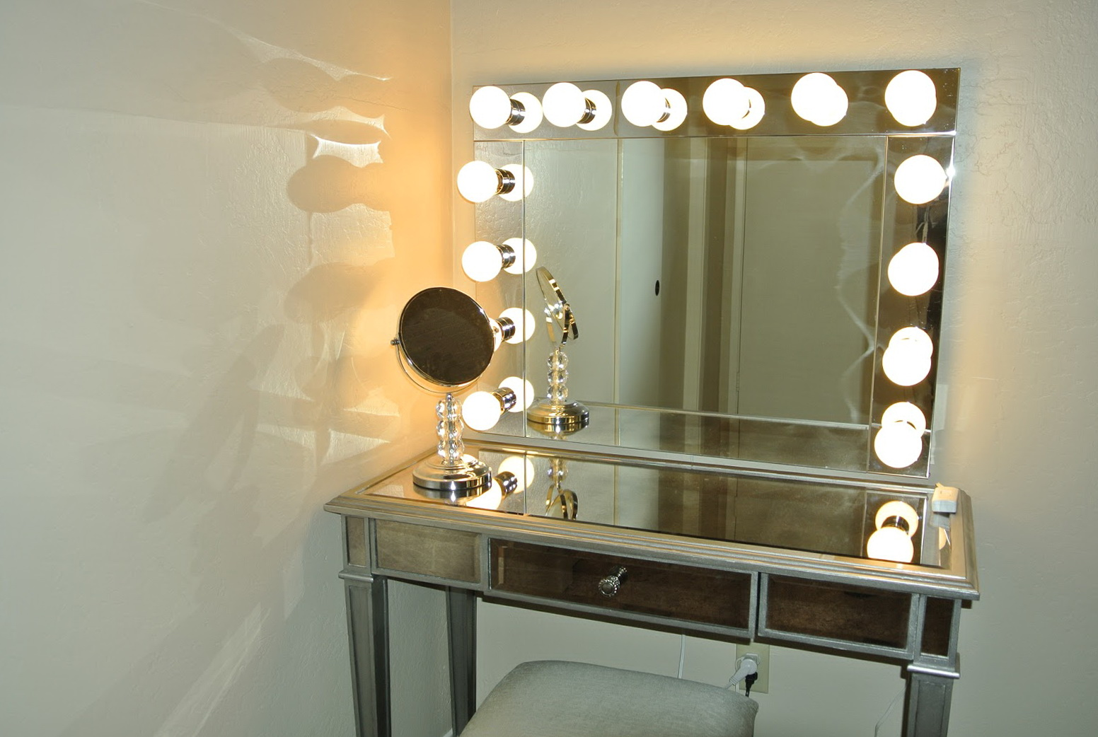 Vanity Mirror With Lights And Desk