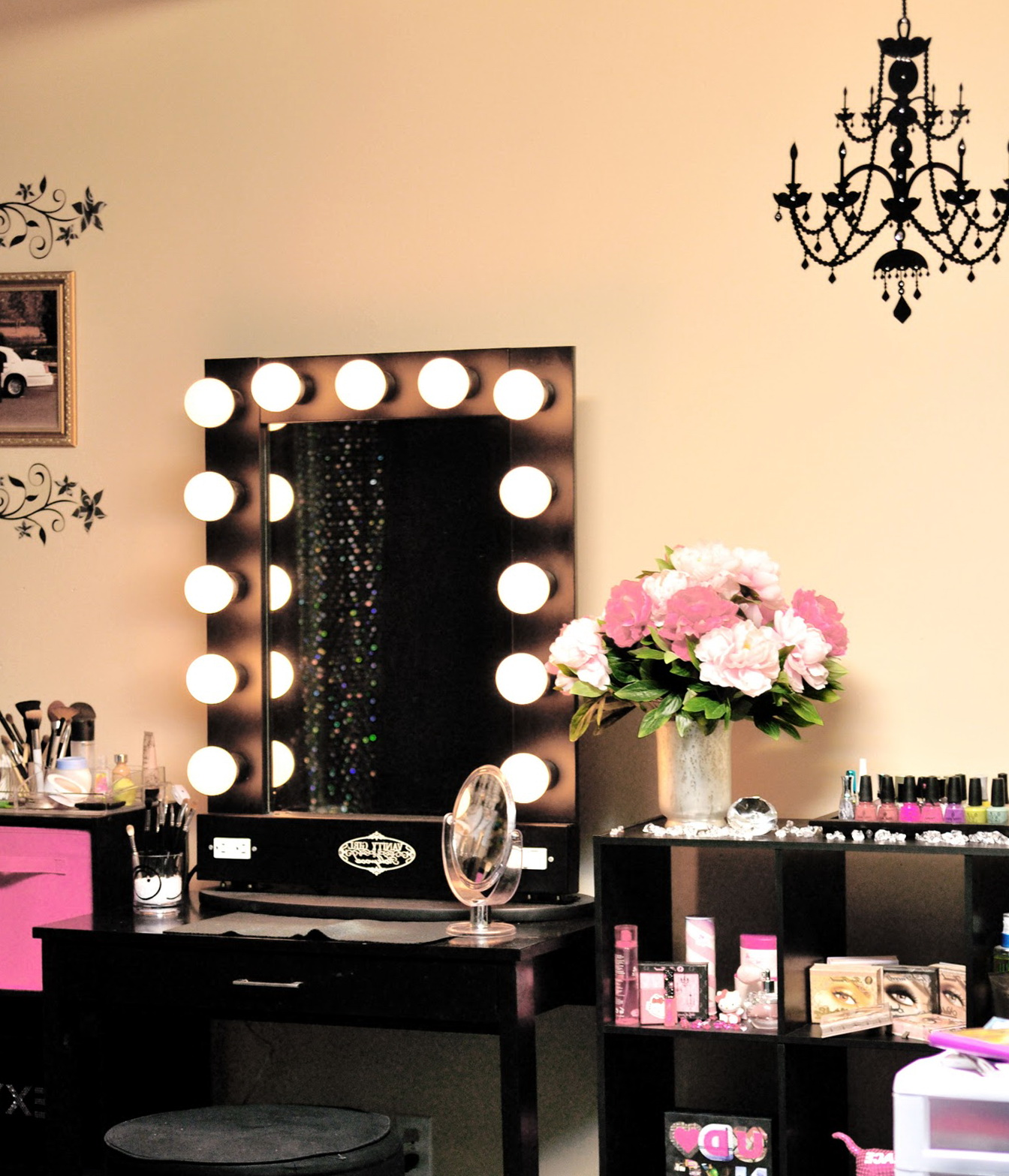 Vanity Mirror With Lights For Bedroom Home Design Ideas