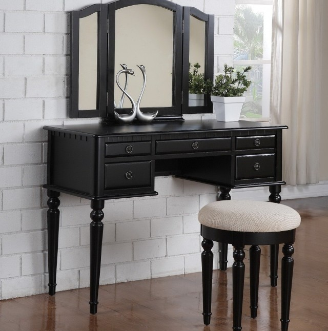 Vanity Table With Mirror And Drawers