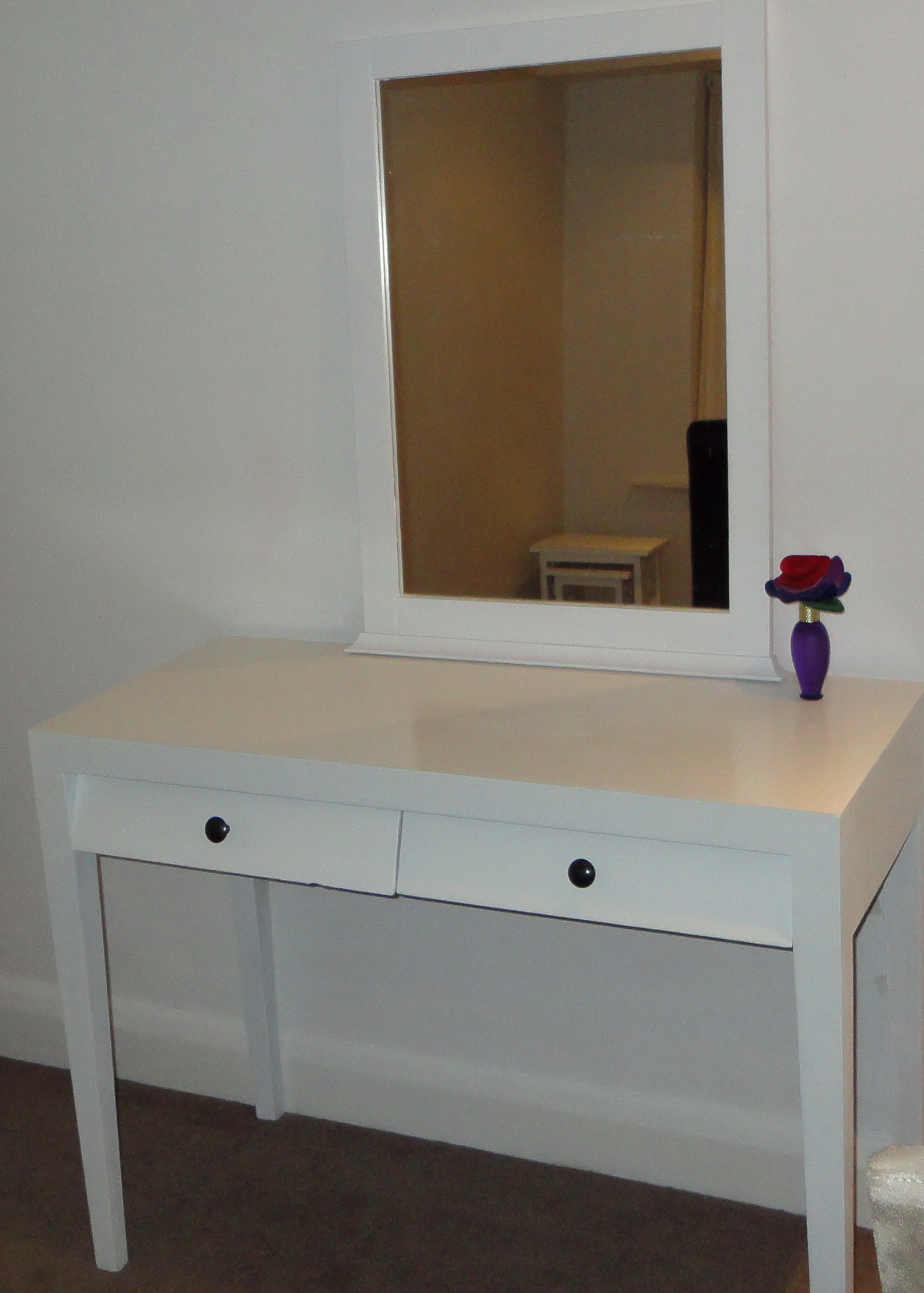 dressing table with mirror from ikea home design ideas. Black Bedroom Furniture Sets. Home Design Ideas