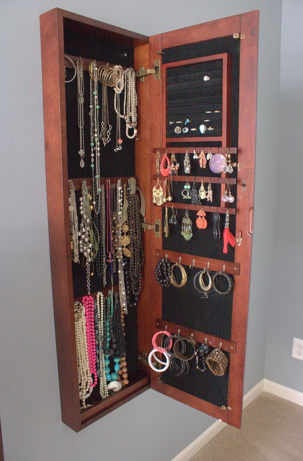 Hidden Jewelry Storage Mirror
