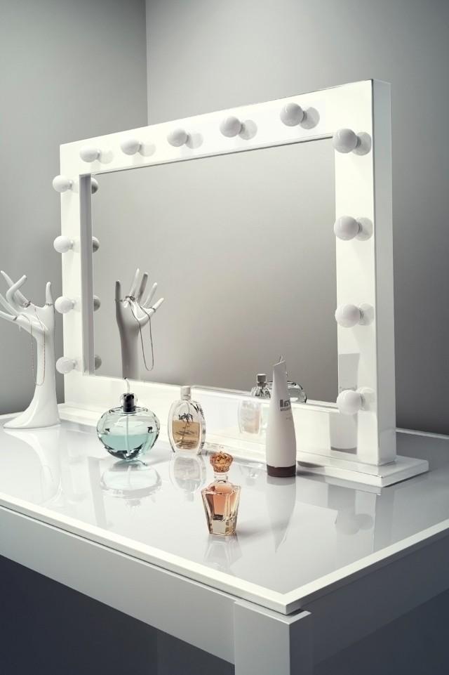 Hollywood Makeup Mirror