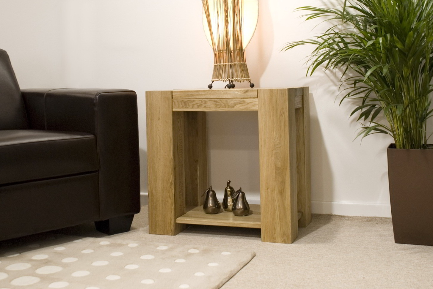 Living room side tables uk home design ideas for Sitting room table designs