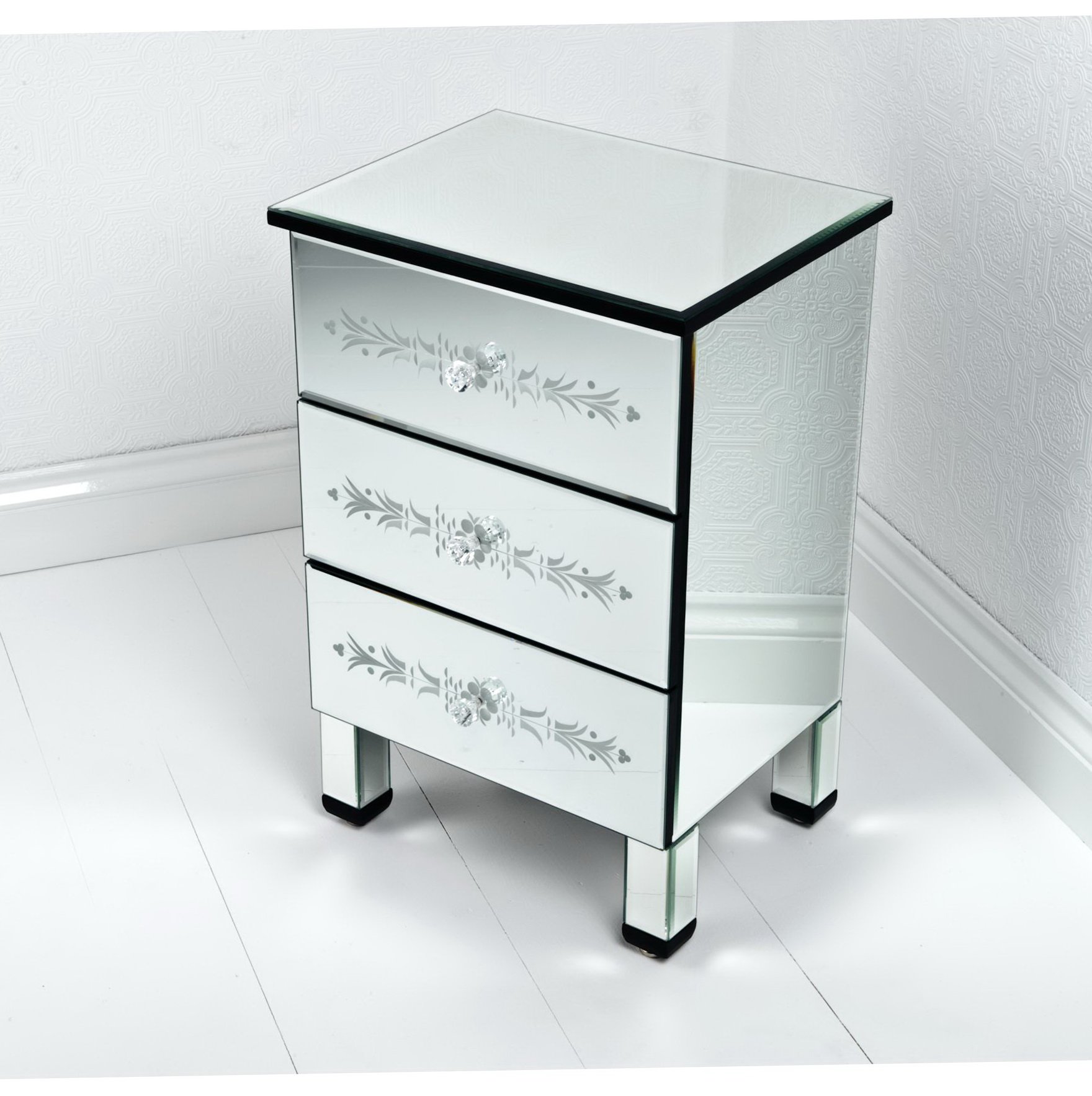 Mirrored end tables cheap home design ideas for Inexpensive end tables