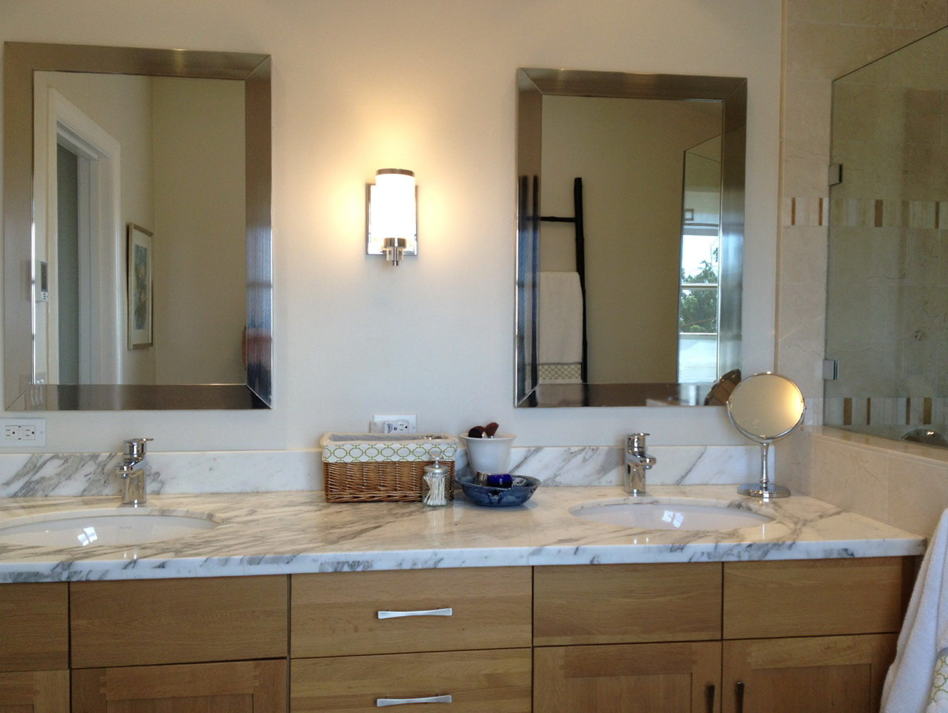 Restoration hardware mirrors bath home design ideas for Bathroom restoration ideas