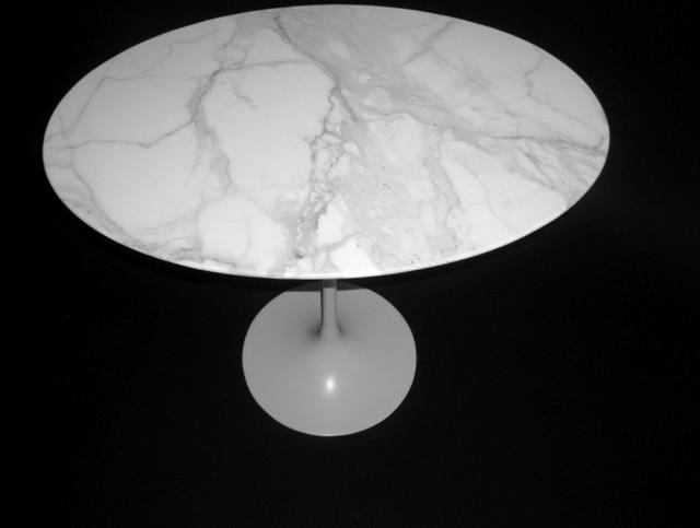 Saarinen Side Table Marble