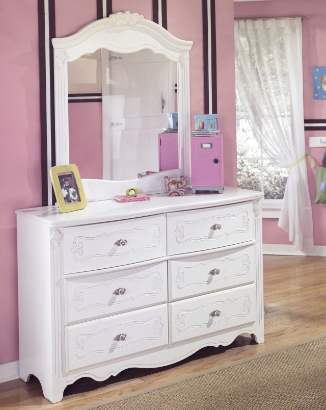White Dresser With Mirrored Drawers