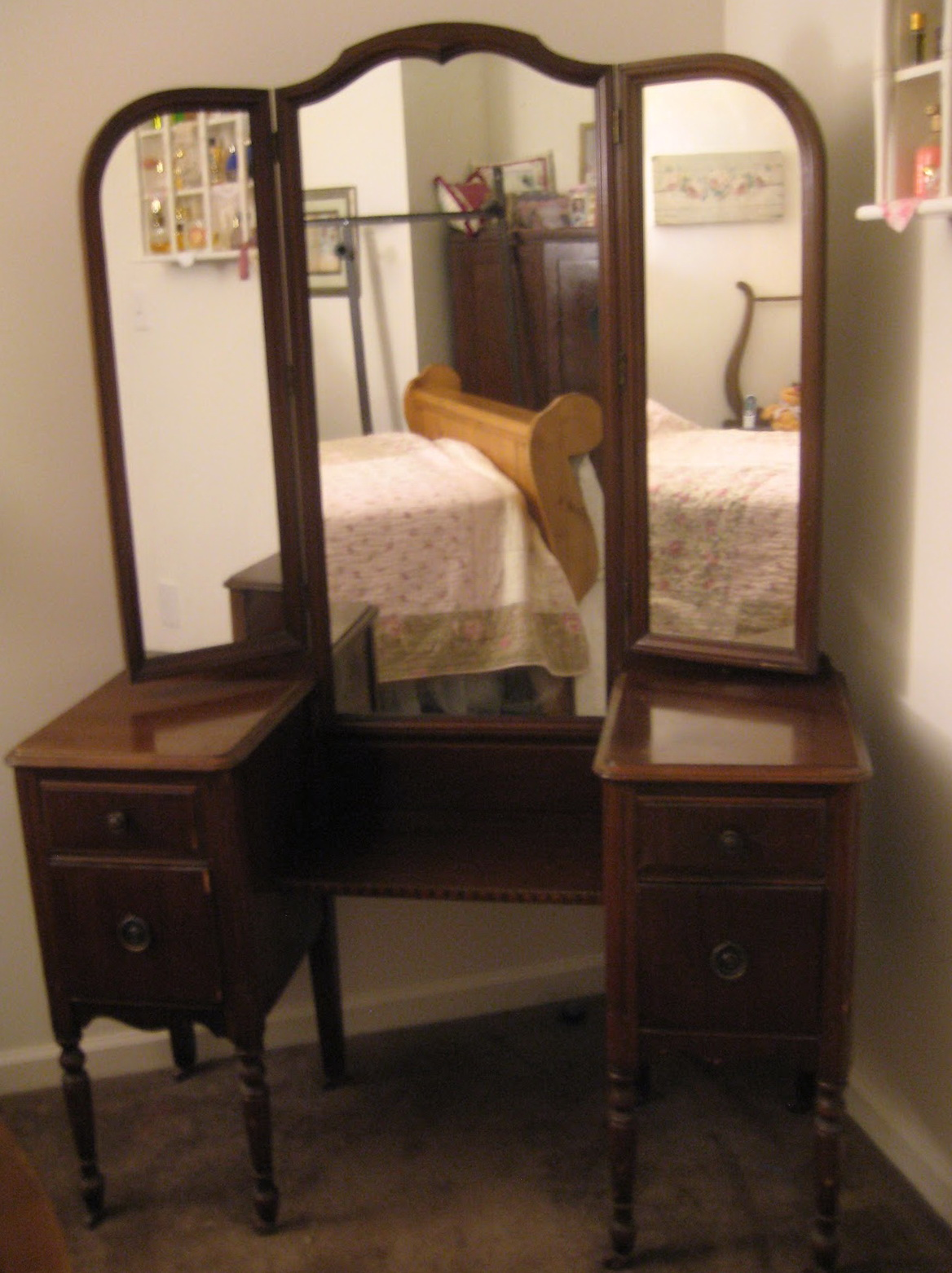 Antique Makeup Vanity With Mirror Home Design Ideas