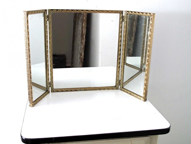 Antique Vanity With Tri Fold Mirror