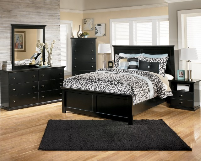Black Mirrored Bedroom Set