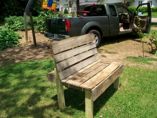 Garden Work Bench Made From Pallets