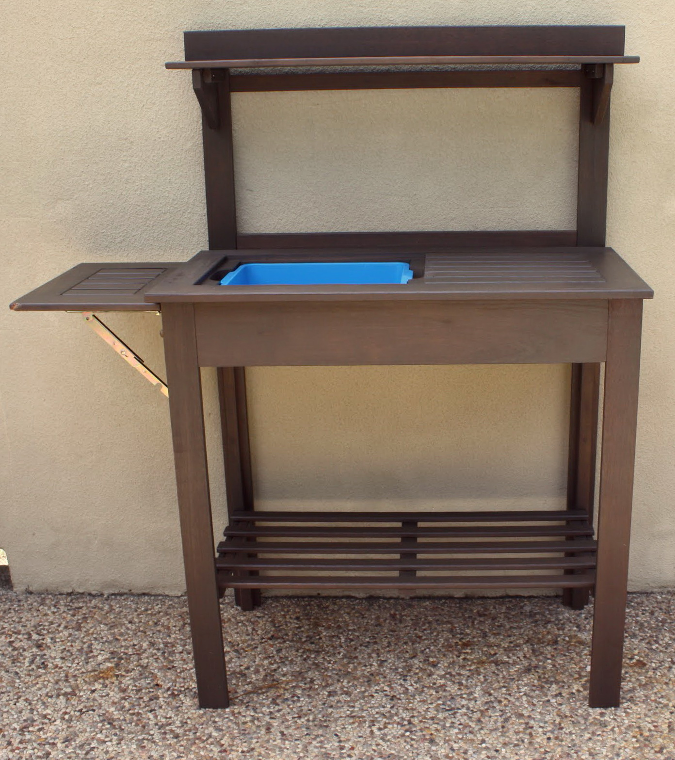 Garden Work Bench With Sink