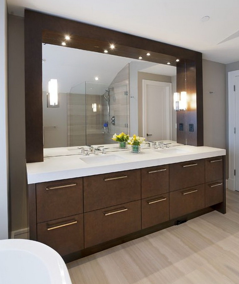 Large vanity mirror with light bulbs home design ideas for Large vanity mirror