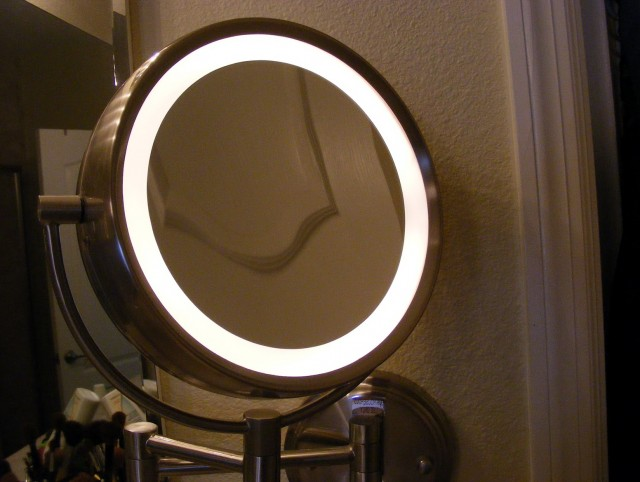 Light Up Makeup Mirror Amazon
