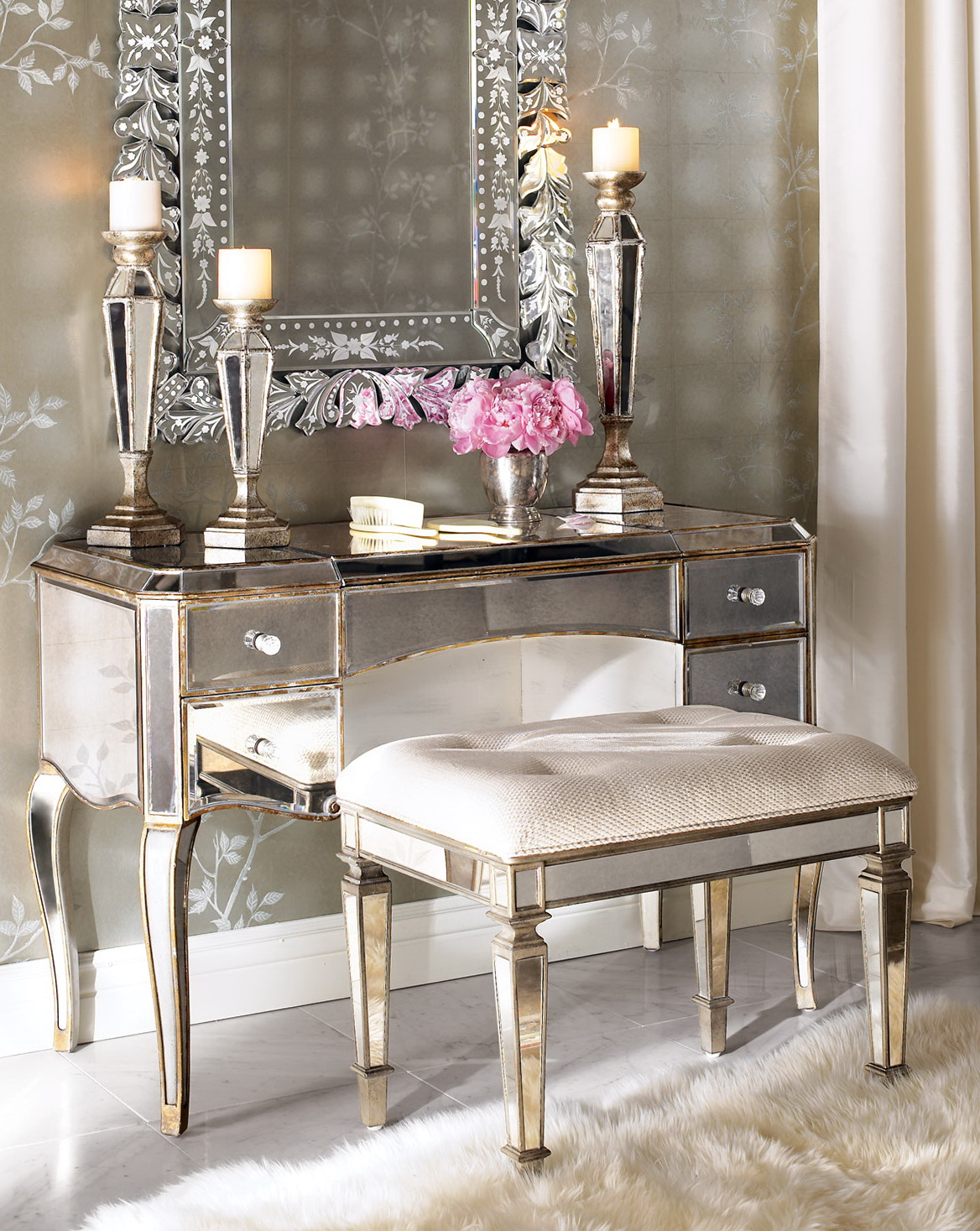 Mirrored Makeup Vanity Canada
