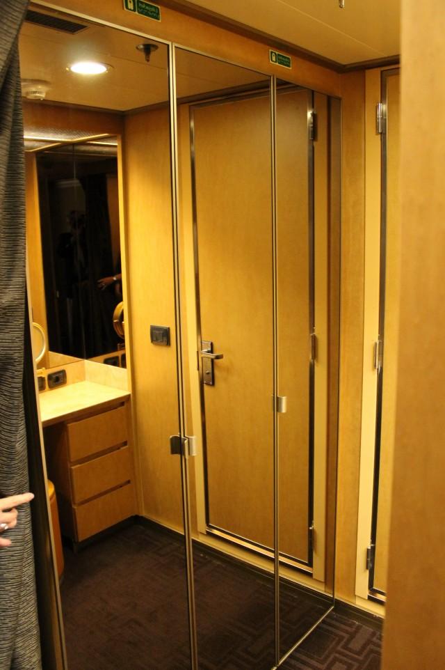 Mirrored Sliding Closet Doors Home Depot