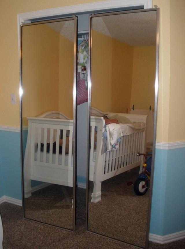Mirrored Sliding Closet Doors Makeover
