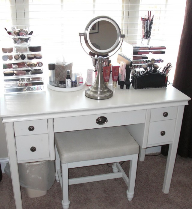 Modern Mirrored Makeup Vanity