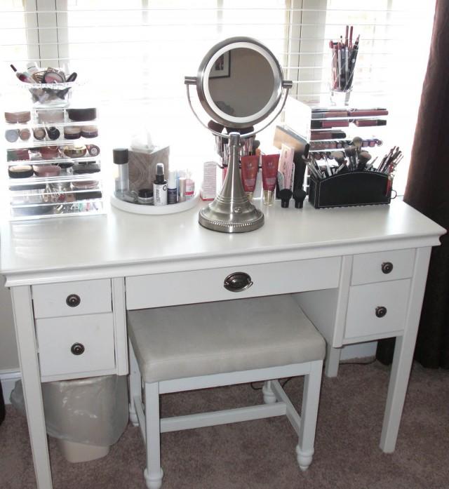 Modern Mirrored Makeup Vanity