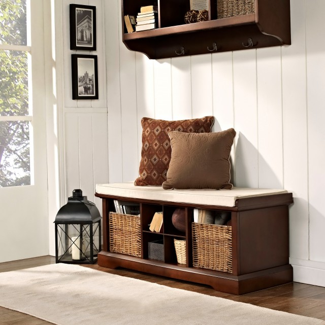 Mudroom Storage Bench With Hooks