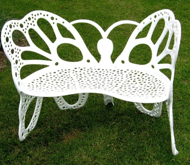 White Metal Garden Bench