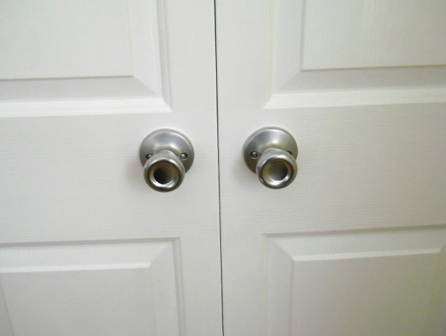 Bifold Closet Doors Knob Placement