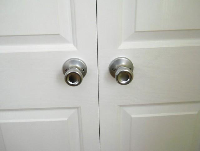 Bifold Closet Doors Knob Placement