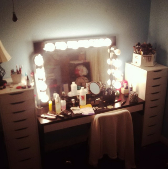 Broadway Lighted Vanity Mirror Cheap