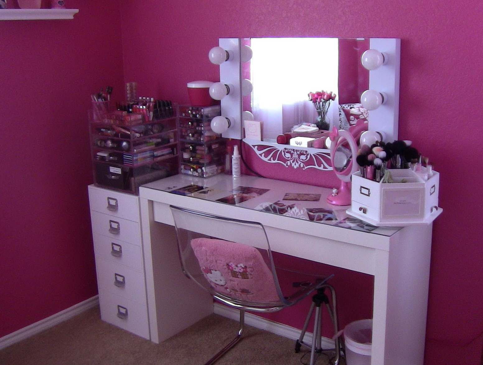 Lighted Mirror Vanity Table