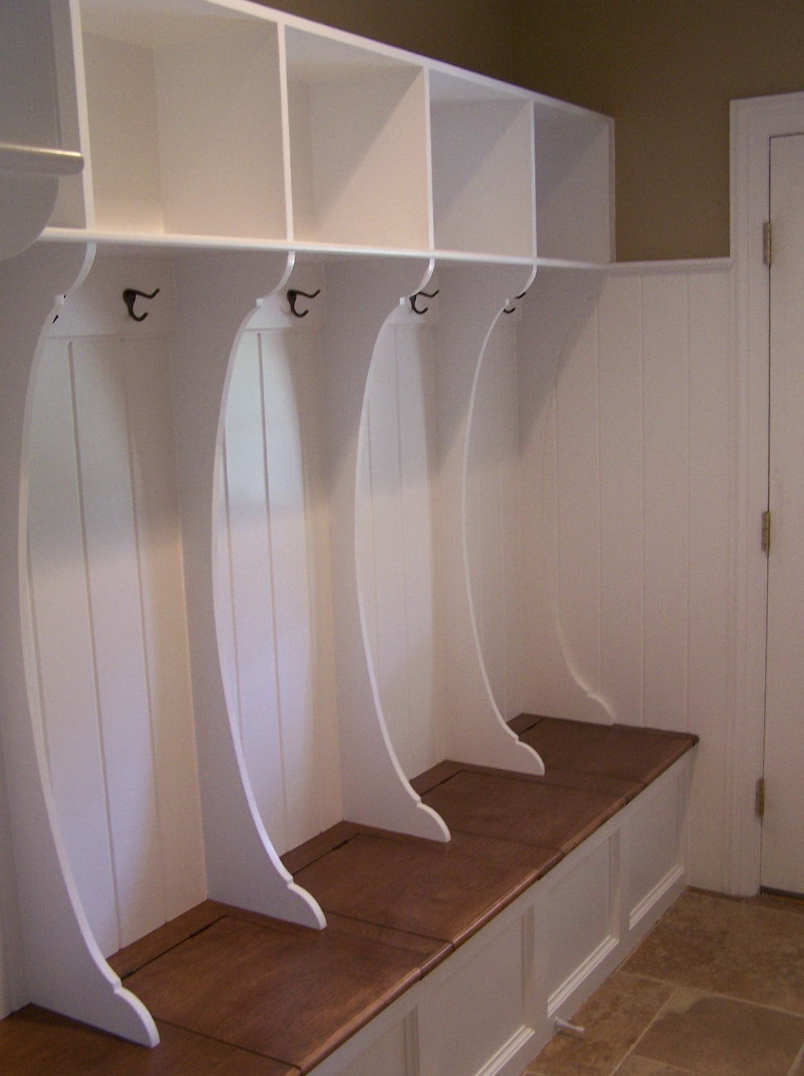 Mudroom Lockers With Bench Built Ins