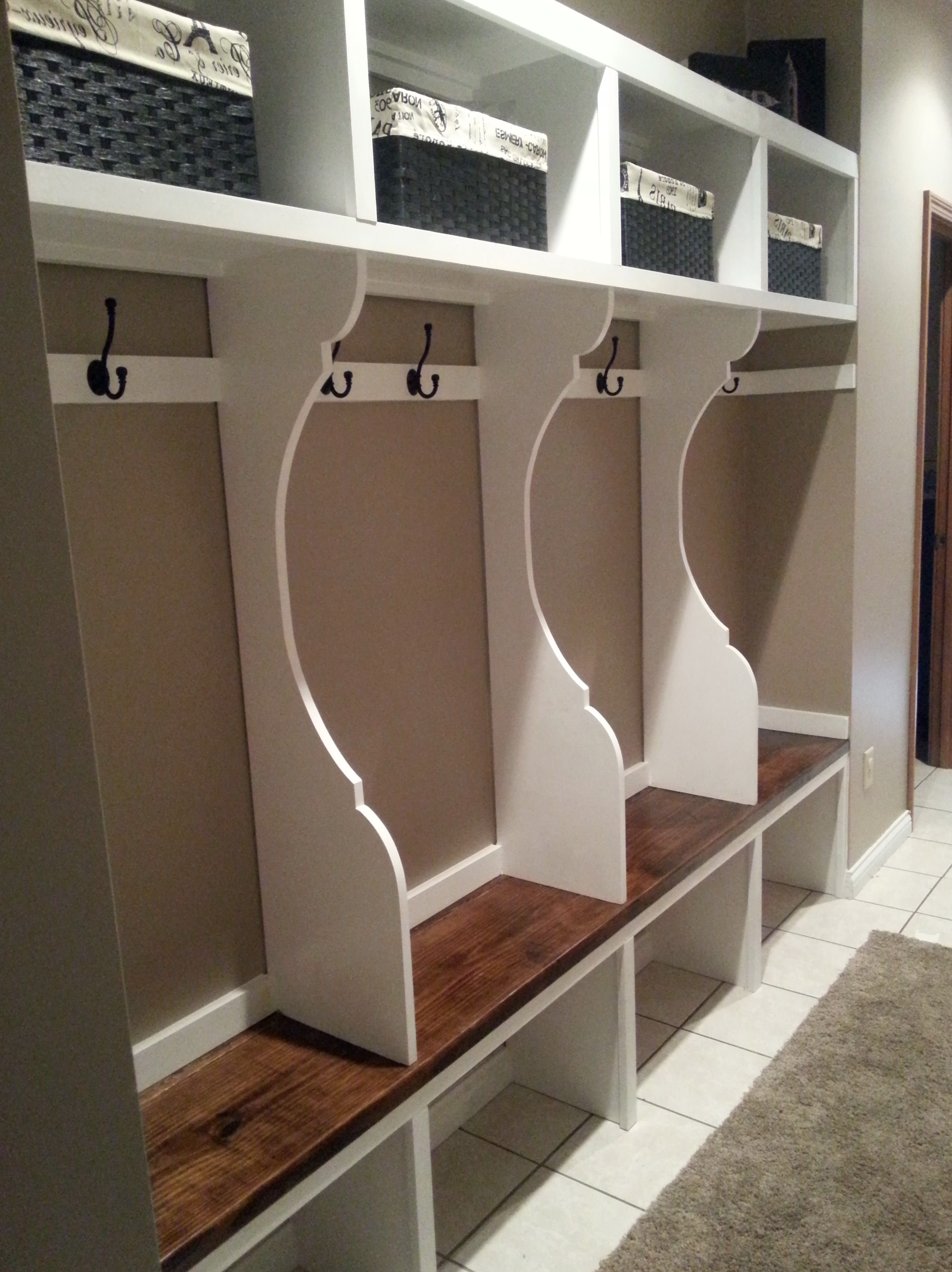 Mudroom Lockers With Bench For Sale