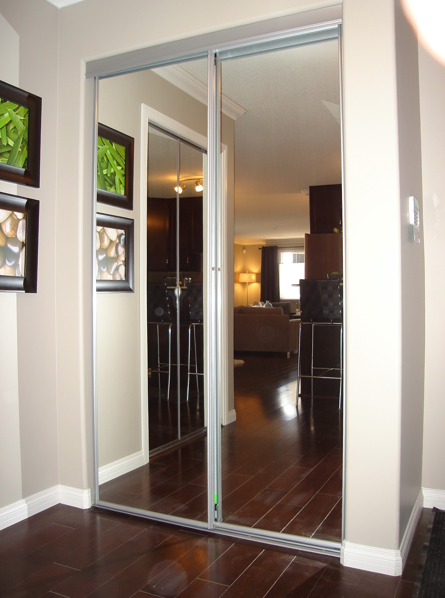 sliding mirror closet doors lowes home design ideas. Black Bedroom Furniture Sets. Home Design Ideas