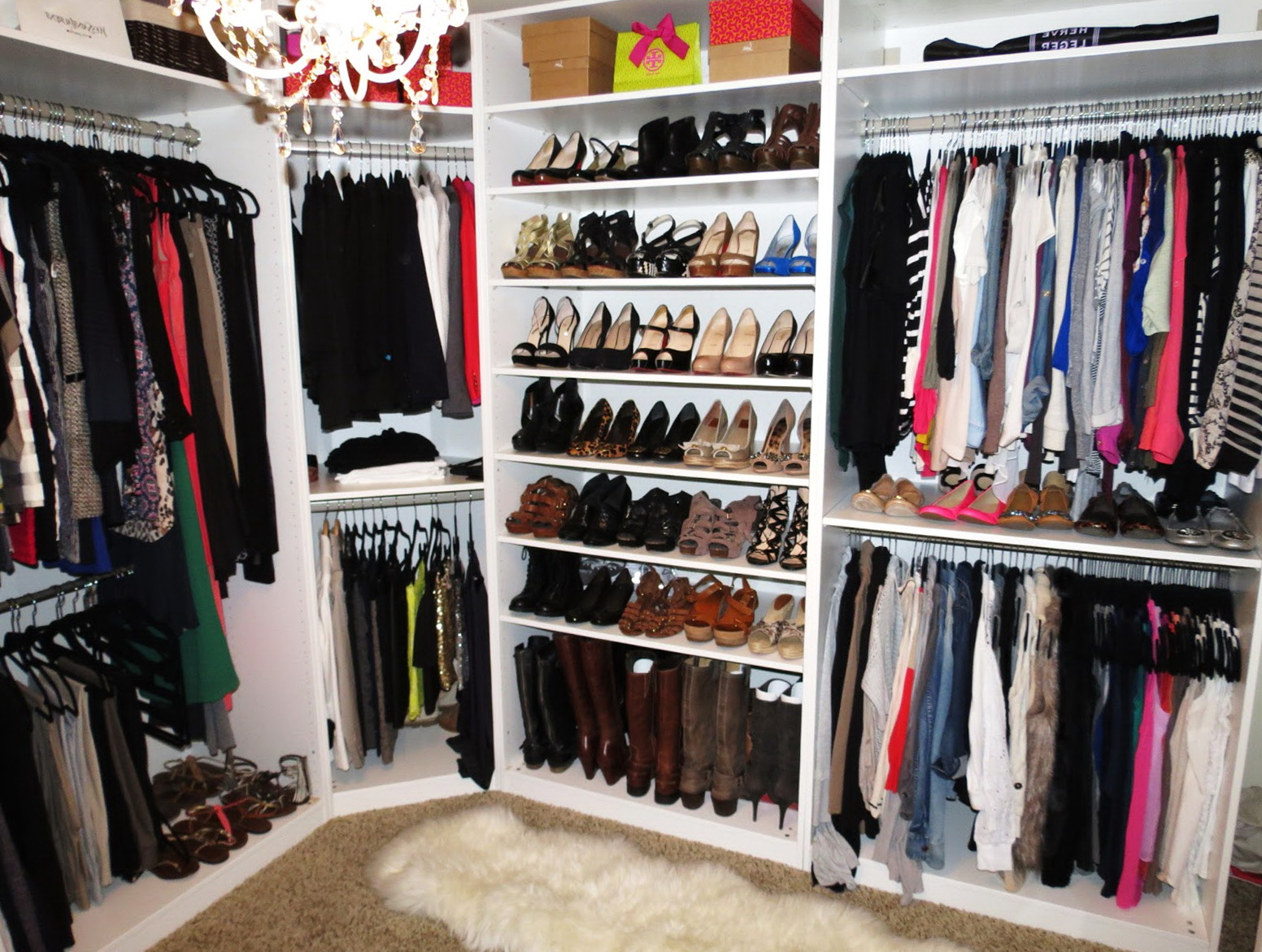 Closet Organization Ideas For Women. Elegant Dressing Room With Chic ...