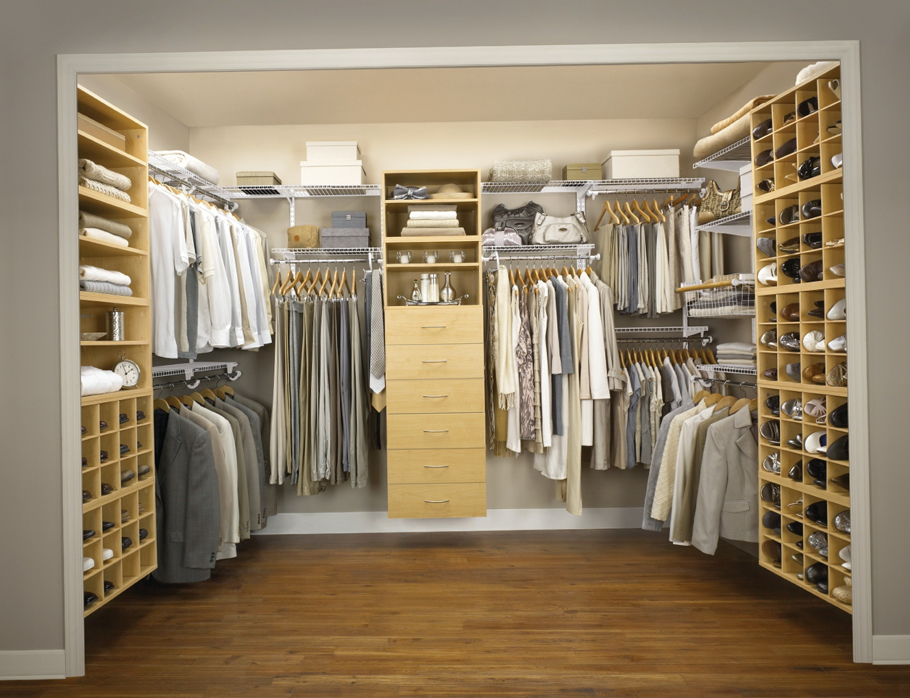 Walk in closet ideas for small room home design ideas - Closet for small room ...