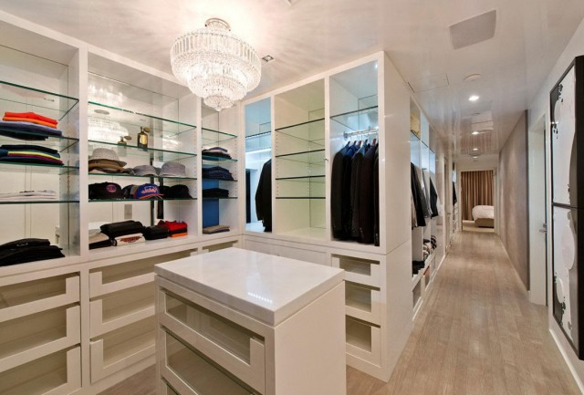Walk In Closet Organization Tips