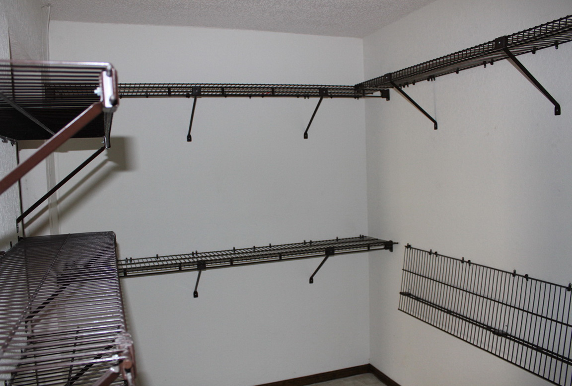 Wire Closet Shelving Images