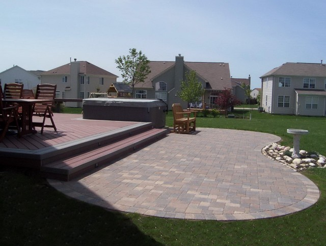 Backyard Composite Deck Designs