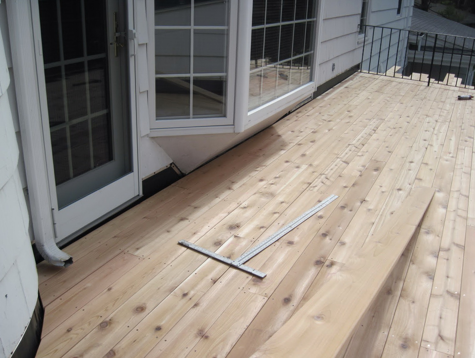 Building A Floating Deck On A Flat Roof