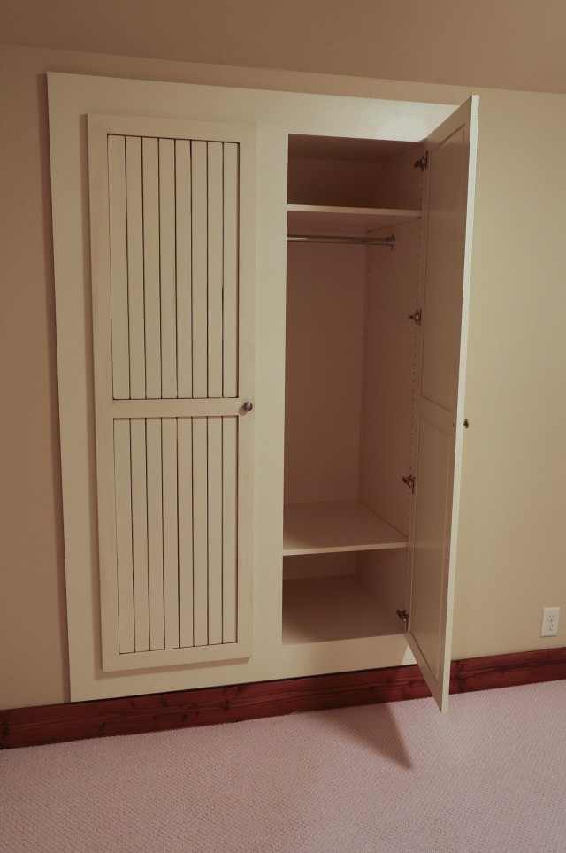 Built In Closets For Small Spaces