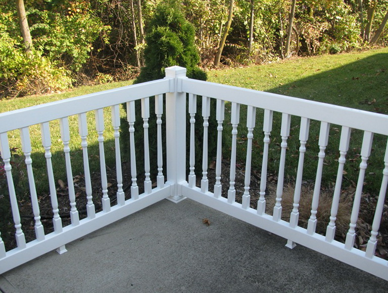 Wood deck railing kits deck railing kits home depot for Front porch kits for sale